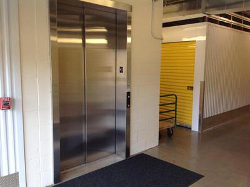 life storage near henrietta rochester ny rent storage units 023. Black Bedroom Furniture Sets. Home Design Ideas