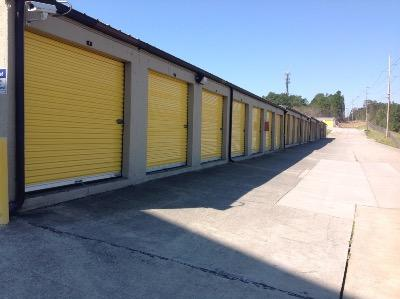 Storage Units for rent at Life Storage at 7403 Parklane Rd in Columbia