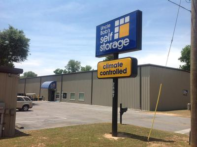 Life Storage Buildings at 2807 W Michigan Ave in Pensacola