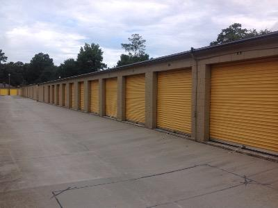 Storage Units for rent at Life Storage at 422 Old Trolley Road in Summerville
