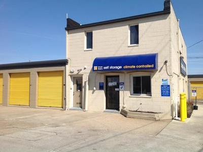 Life Storage Buildings at 4976 W 130th St in Cleveland