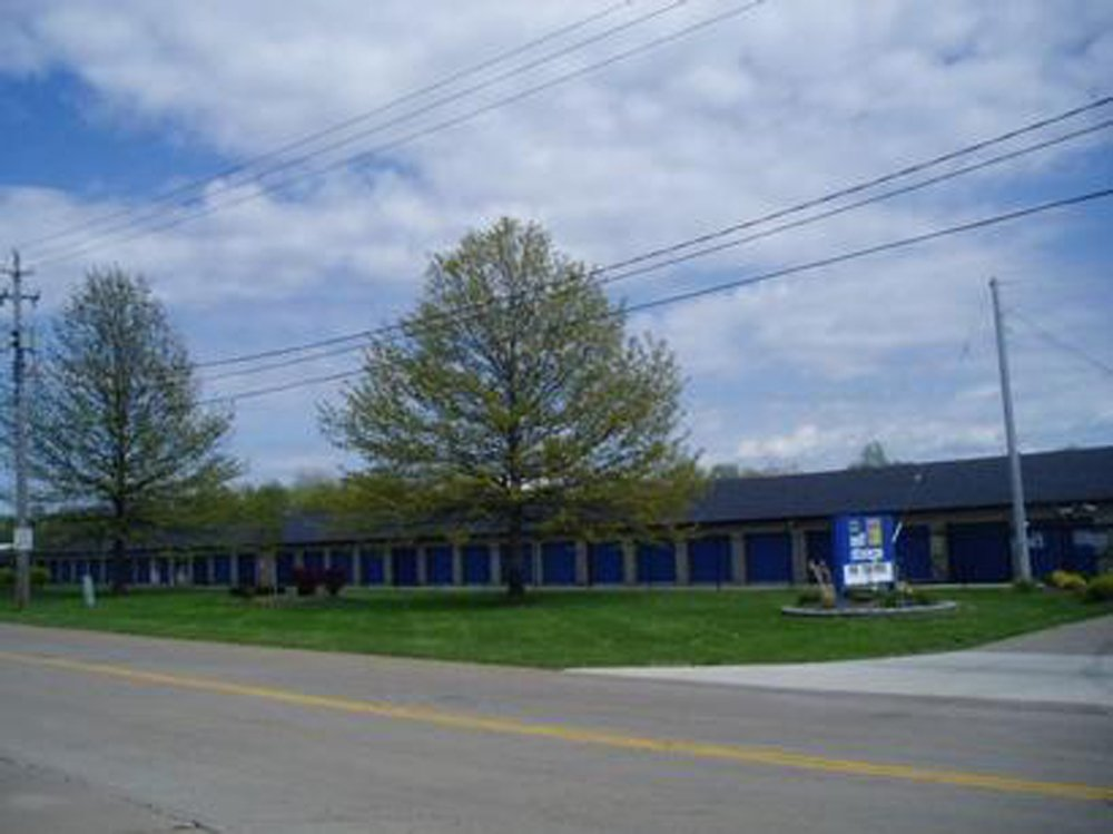 Life Storage In Mentor 8650 East Avenue Rent Storage