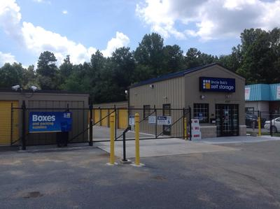 Life Storage Buildings at 4207 Hilltop Road in Greensboro