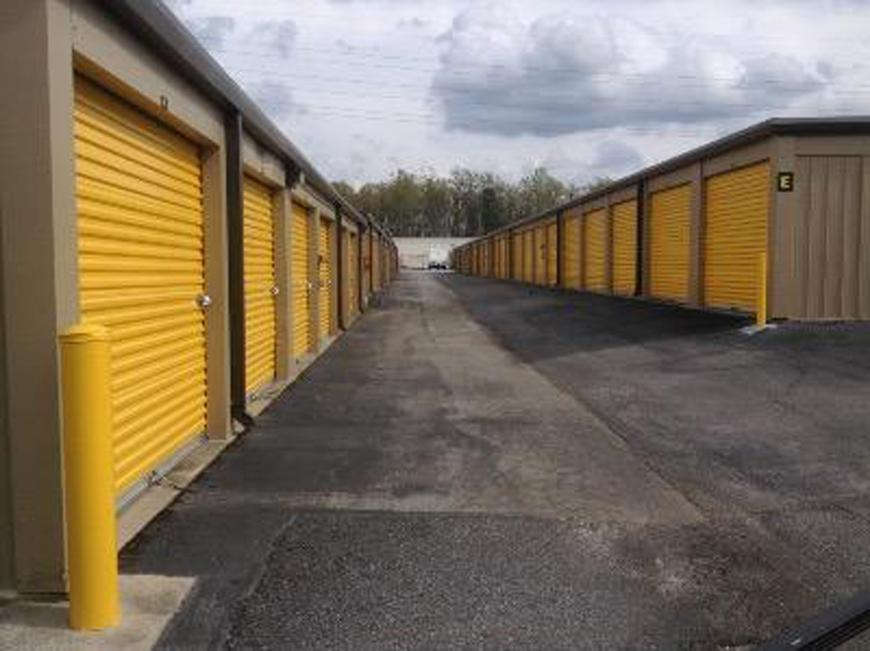 Storage Units For At Life 5810 W Gate City Blvd In Greensboro