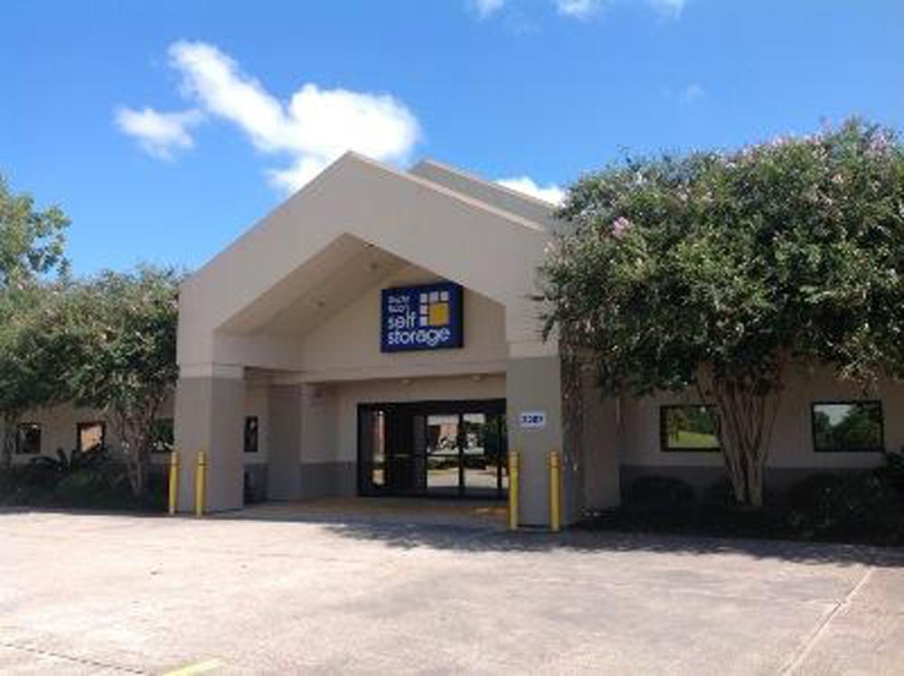 Home Storage Units Louisiana Lafayette Life Storage in Lafayette (#209 ...