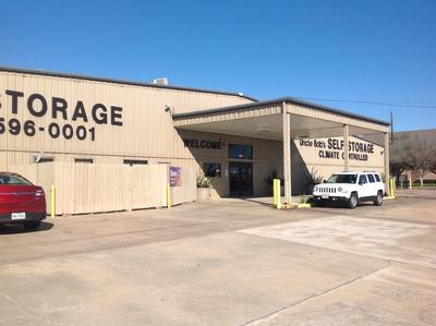 Life Storage Buildings at 3800 South Highway 6 in Houston