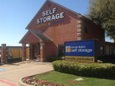 Life Storage Buildings at 1010 E Highway 67 in Duncanville