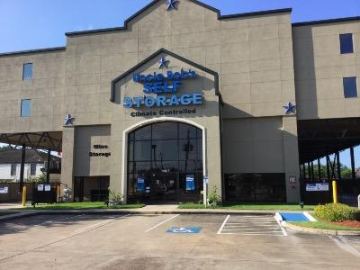 Life Storage Buildings at 5415 Bissonnet St in Houston