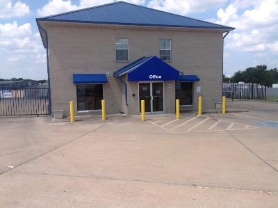 Life Storage Buildings at 2830 S A W Grimes Blvd in Round Rock