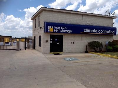 Life Storage Buildings at 3615 N Foster Rd in San Antonio