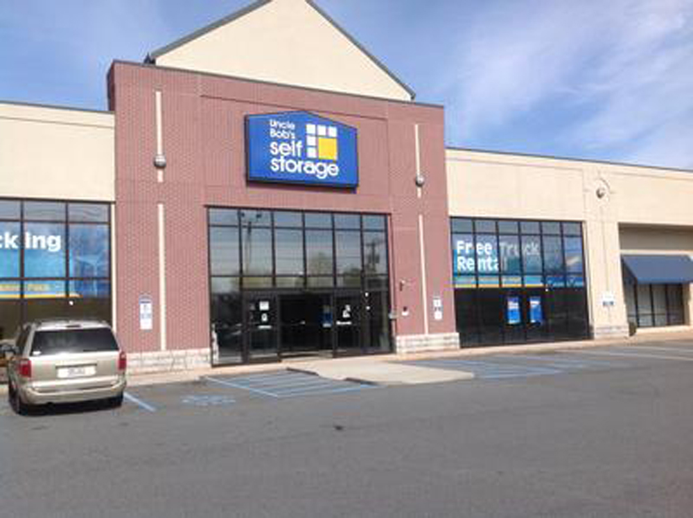 ...,  ... Units North Carolina Charlotte Life Storage in Charlotte (#369