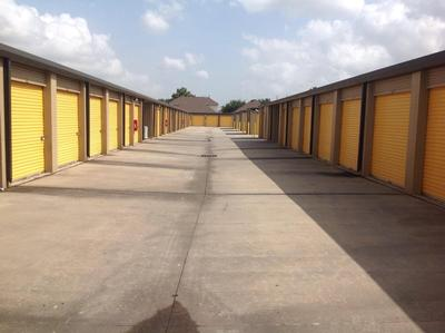 Storage Units for rent at Life Storage at 13300 W Little York Rd in Houston