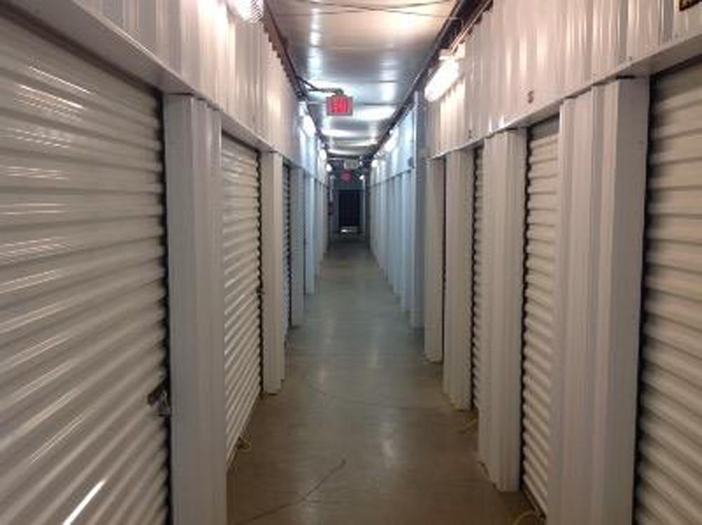 life storage near kiln creek newport news va rent storage units 401. Black Bedroom Furniture Sets. Home Design Ideas