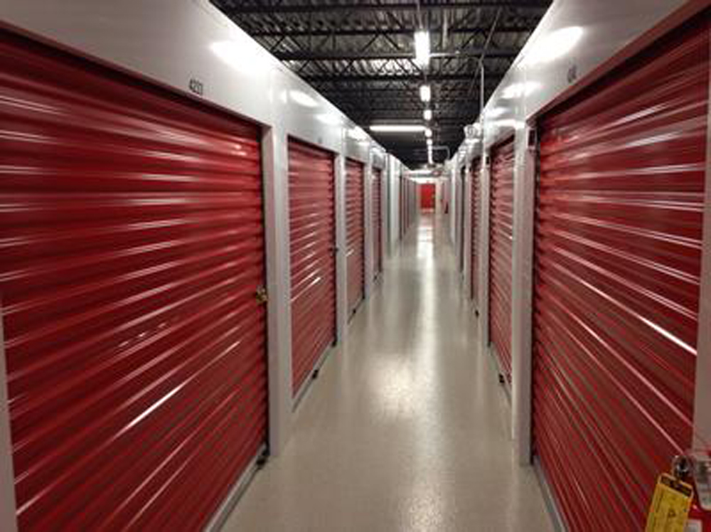 life storage near brookhaven atlanta ga rent storage units 411. Black Bedroom Furniture Sets. Home Design Ideas