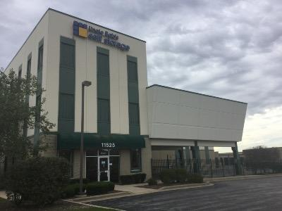 Life Storage Buildings at 11525 184th Place in Orland Park