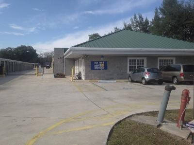 Life Storage Buildings at 2650 N Powers Dr in Orlando
