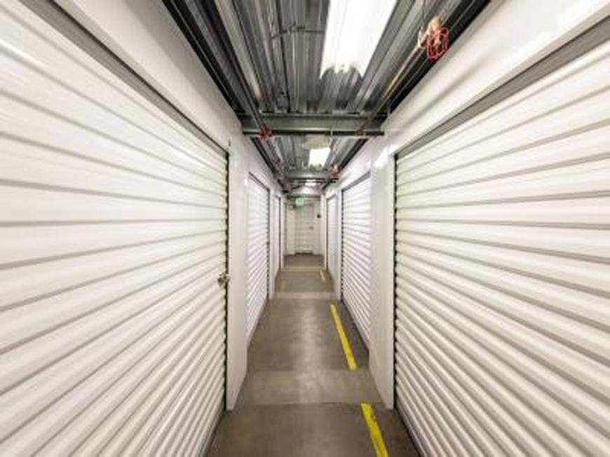 Storage Units For At Life 801 E Commercial St In Los Angeles