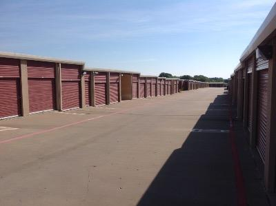 Storage Units for rent at Life Storage at 550 N Custer Rd in McKinney