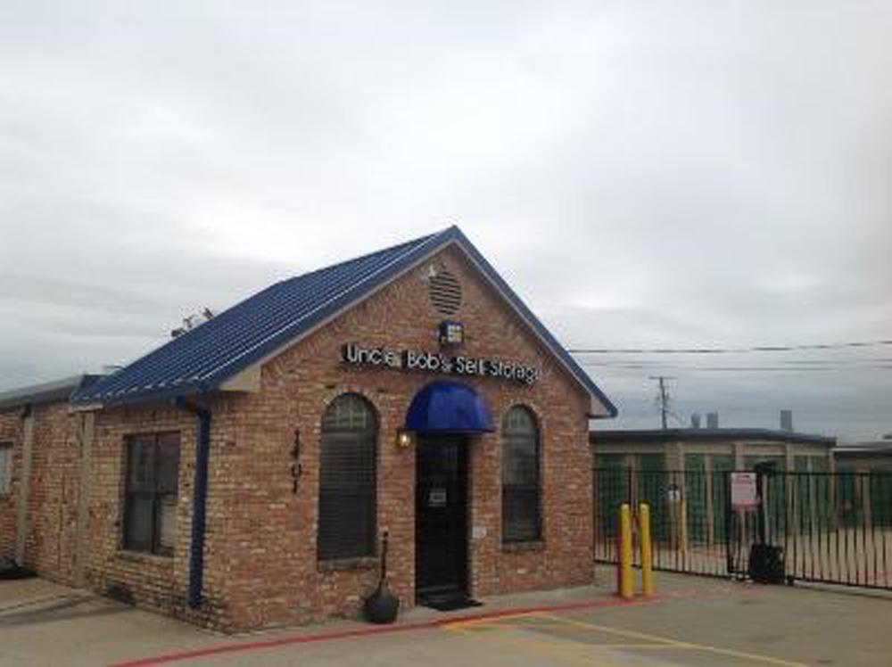 Life Storage near Dalworthington Gardens Arlington TX