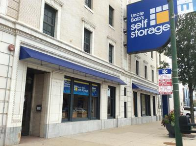 Life Storage Buildings at 6331 North Broadway St in Chicago