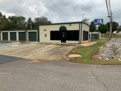 Exterior image of facility at 2062 Blake Bottom Rd NW, Huntsville, AL 35806