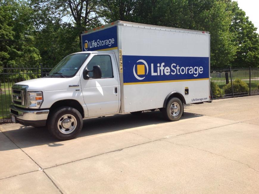 Storage units in Eastlake near Cleveland - Life Storage