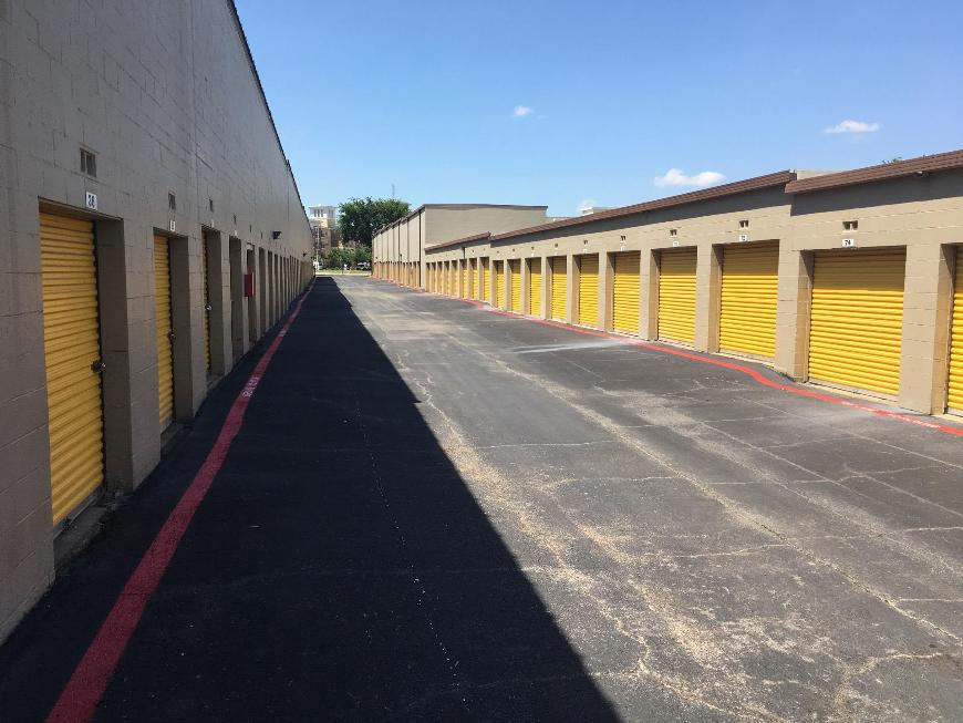 Storage Units For At Life 140 Centennial Blvd In Richardson