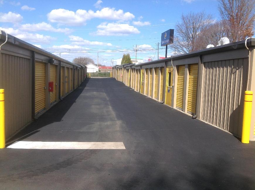 Storage Units For At Life 4207 Hilltop Road In Greensboro