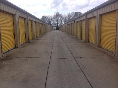 Storage Units for rent at Life Storage at 11670 Airline Hwy in Baton Rouge