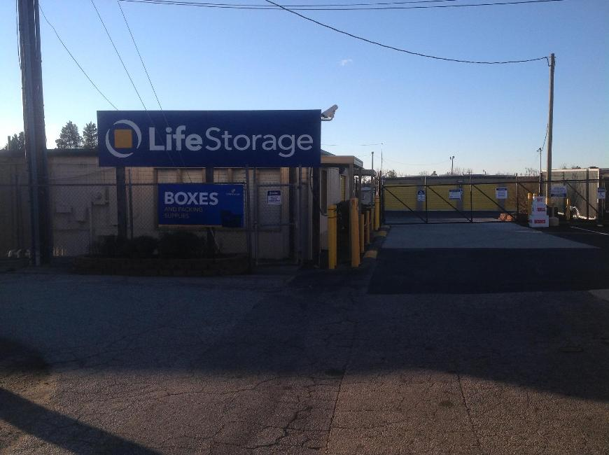 Storage Buildings At Life 5810 W Gate City Blvd In Greensboro