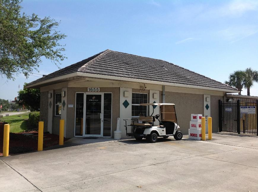 Storage Buildings At Life 1655 10th Avenue In Vero Beach