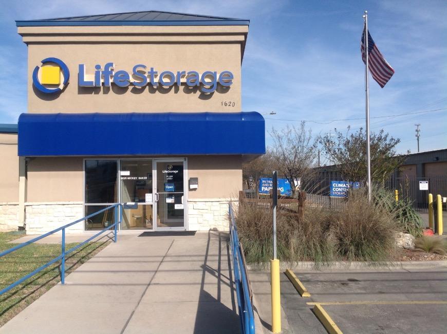 062382882383 Storage units in San Marcos near Victory Gardens - Storage Facility