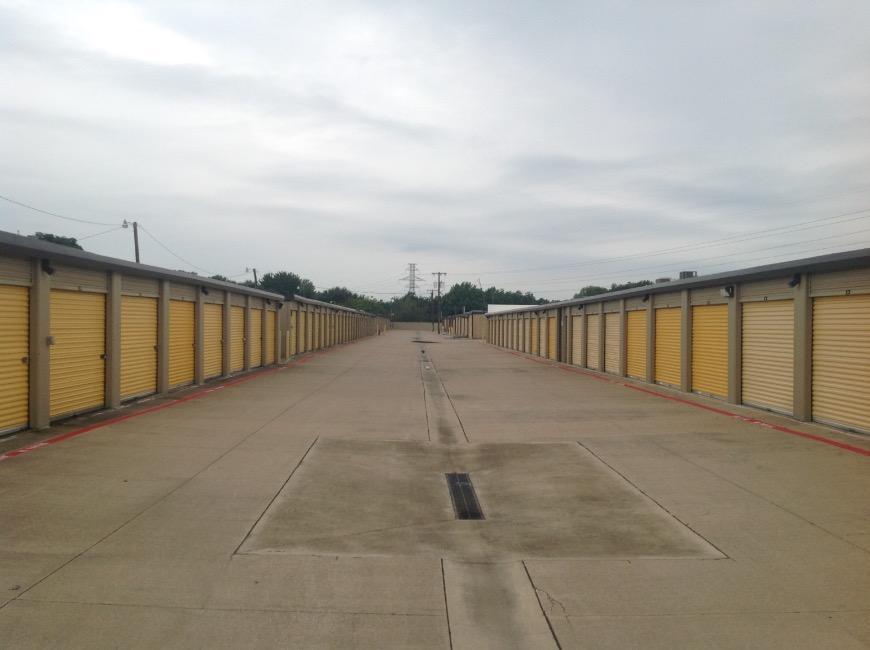 Storage Units For At Life 5575 Davis Blvd In North Richland Hills