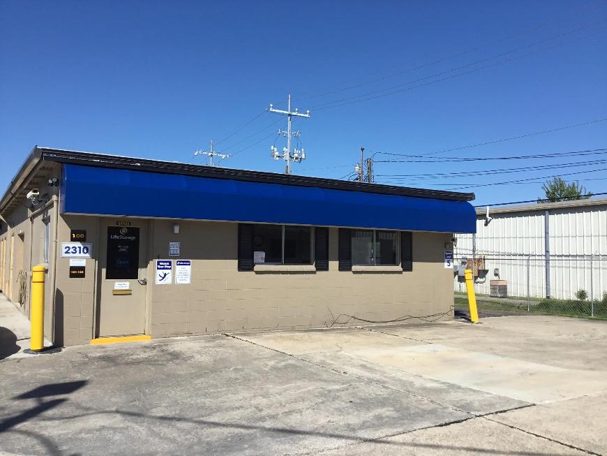 Storage Buildings At Life 2310 W Pinhook Rd In Lafayette