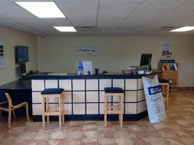 Life Storage office at 3636 Ambassador Caffery Pkwy in Lafayette