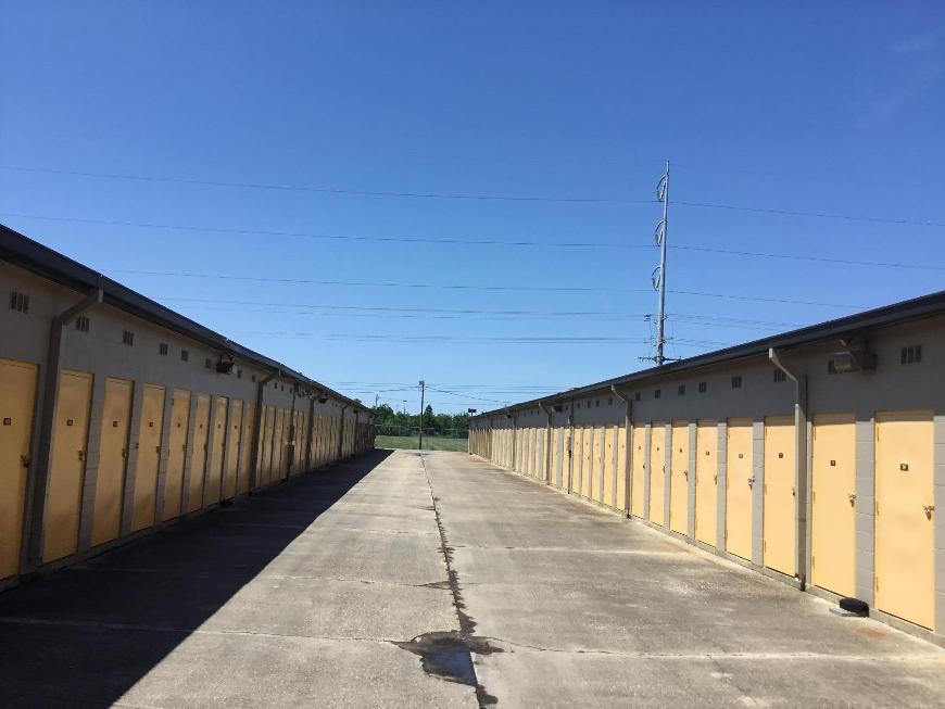 Car Rental Lafayette La >> Life Storage in Lafayette, LA near River Ranch | Rent ...