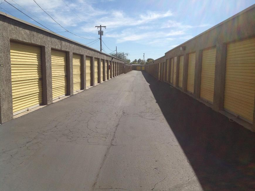 Storage Units For At Life 837 E Broadway Rd In Mesa