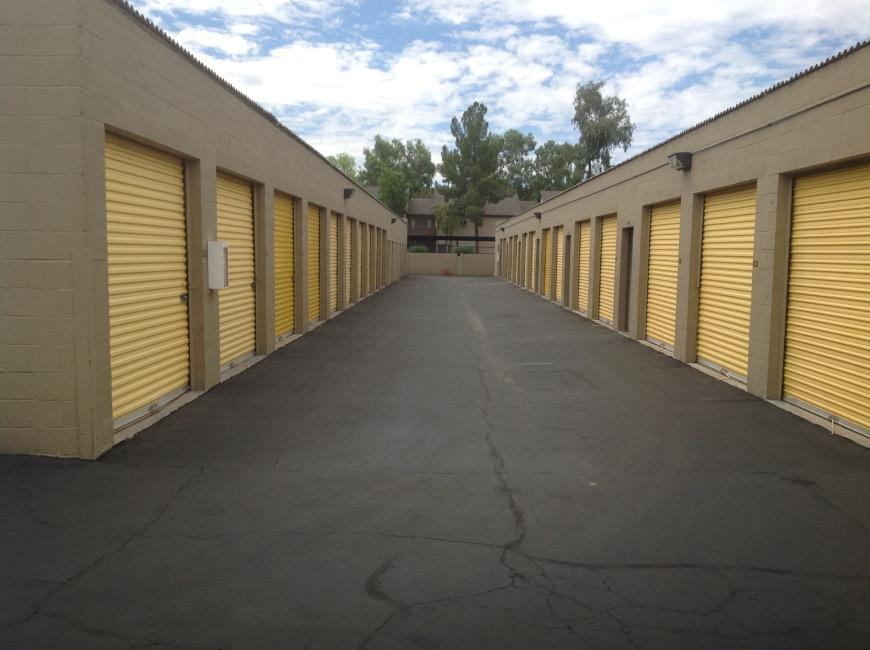 Storage Units For At Life 545 W Broadway Rd In Mesa