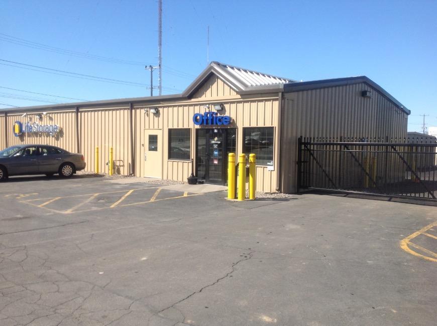 Storage Units At 430 Spencer Street Syracuse Life & Syracuse Storage Units - Listitdallas