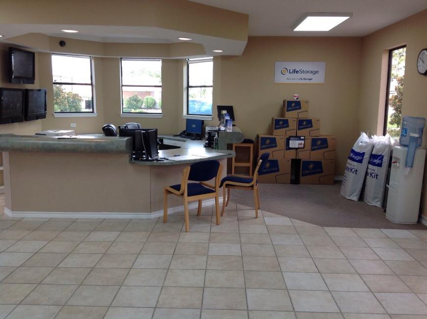 ... Life Storage Office At 8625 Spring Cypress In Spring ...