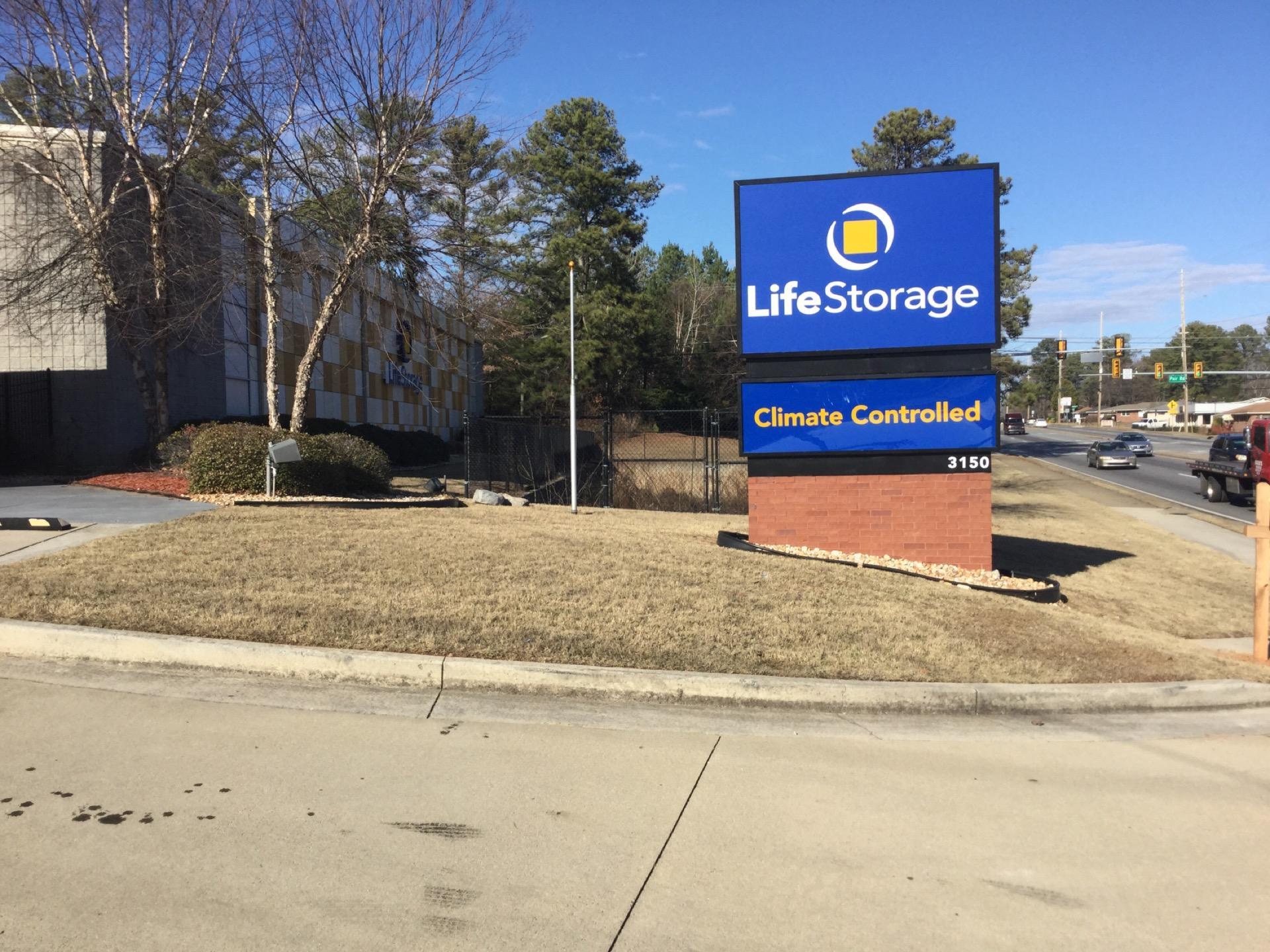 life storage in marietta 3150 austell rd sw rent storage units 289. Black Bedroom Furniture Sets. Home Design Ideas