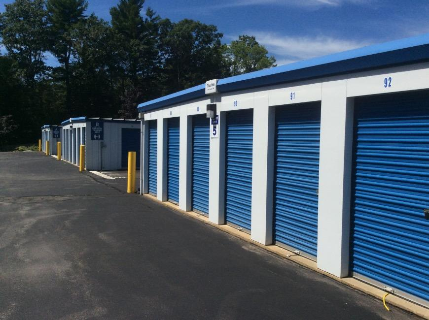 & Storage Units at 1902 Wellington Rd - Manchester - Life Storage #301