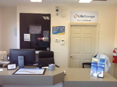 Life Storage office at 940 Shackelford Rd in Florissant