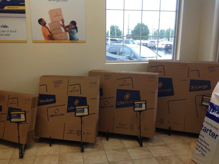 Storage Units Buffalo Ny >> Life Storage in Williamsville - 8161 Main Street | Rent Storage Units (31)