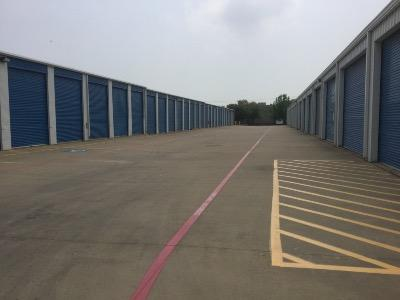 Storage Units for rent at Life Storage at 2305 Manana Dr in Dallas