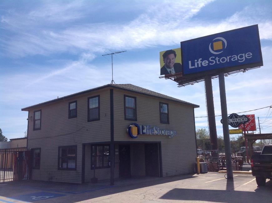 Storage Buildings At Life 2860 Ne Evangeline Trwy In Lafayette