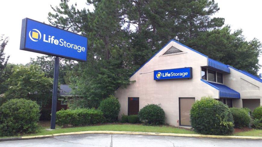 Storage units in Columbia near Dentsville - Life Storage