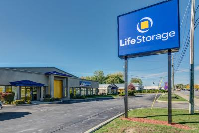 Life Storage Buildings at 3154 Union Rd in Cheektowaga