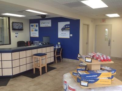 Life Storage office at 6104 S Transit Rd in Lockport