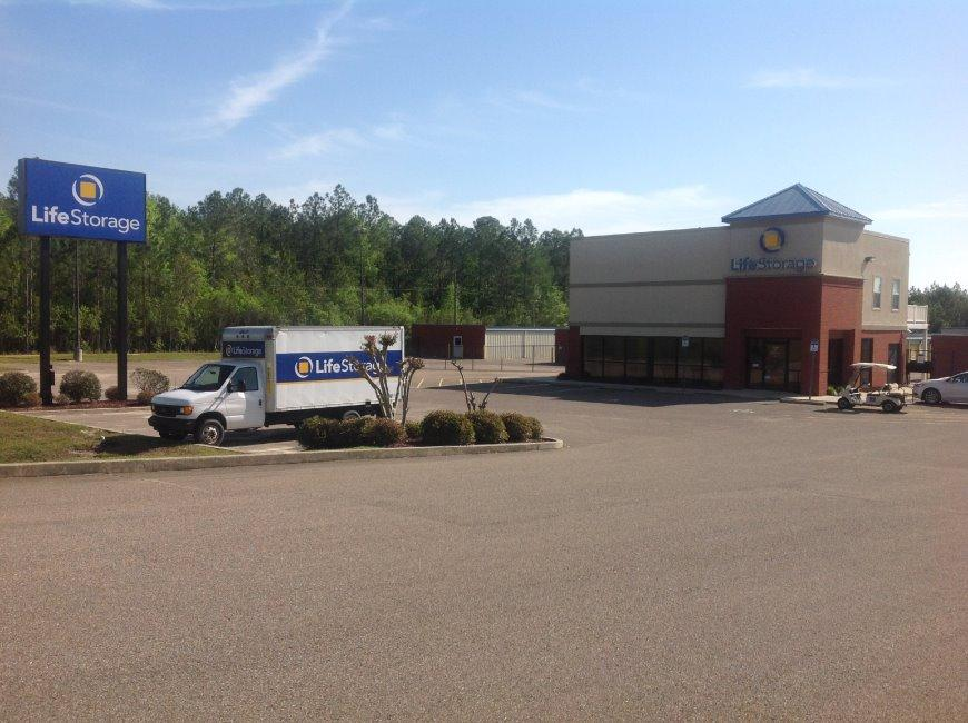 Cube Smart Self Storage In Jackson MS Near Highway 18